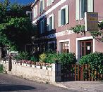 La terrasse de l'Hôtel de la Poste à Aullène, en 2002