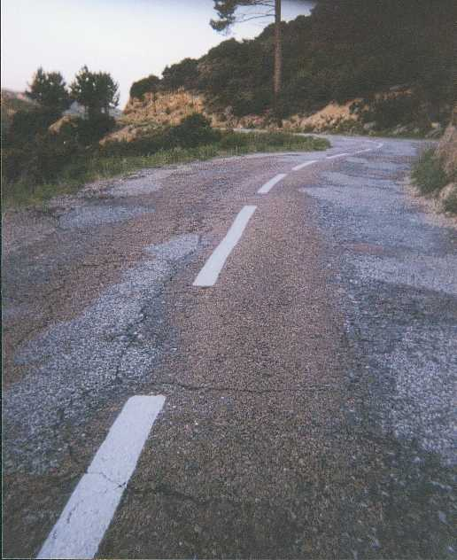 route d'Aullène au col de la Tana, avant les travaux de réfection de 2003